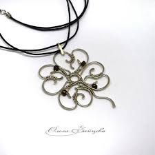 wire wrapped pendant 4 leaves clover