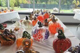 glass pumpkin returns saay rit