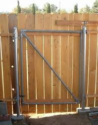 Wood Fence With Metal Post Gate 004a Jpg Wooden Fence Gate Wood Fence Wooden Fence