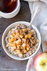 apple cinnamon oatmeal with caramelized