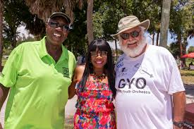 Floyd Jones with Iva Powell-Perry and Jada Powell | Vero News