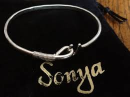 crucian hook bracelet has been a