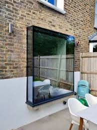 frameless glass window seats and