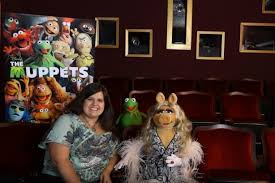 Kermit And Miss Piggy Interview The Muppets