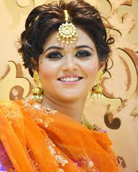 indian bride makeup for round face