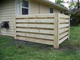8 Best Pallet Fence Ideas To Realize Swiftly In Your Backyard