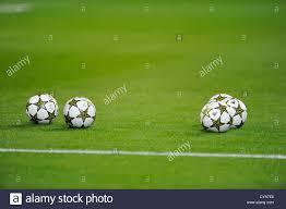 Cinque partite di UEFA Champions League sfere Adidas finale 12 OMB ...