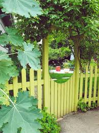13 sublime modern yard fence ideas