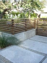Front Yard Idea Short Horizontal Perimeter Fencing Modern Front Yard Front Yard Design Yard Design