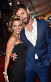 Chris Hemsworth: «Mia moglie è stufa di vedermi nudo nei film»
