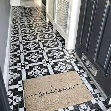 white geometric pattern victorian style