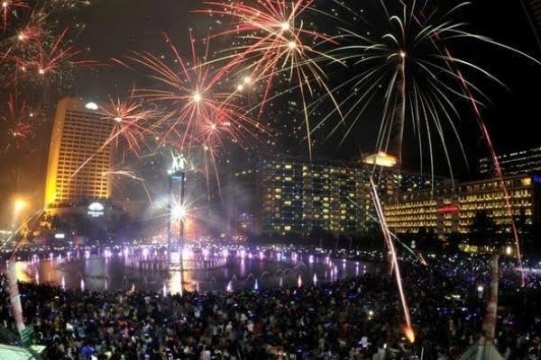 """Image result for malam tahun baru di jakarta"""""""