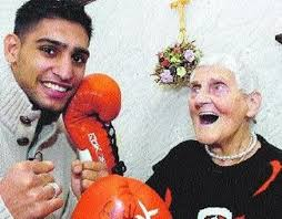 """Boxer Amir Khan adds personal tribute to his """"oldest fan"""" Ada Gibson -  LancsLive"""