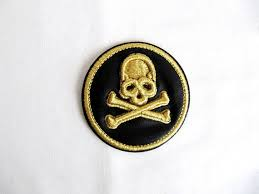 3d skull patch with gold lurex