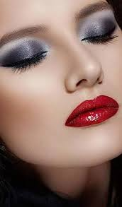 smokey eyes with red lips thats sensous
