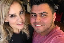 Wow! El esposo de Rosie Rivera canta bien bonito ?