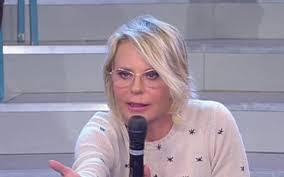 Maria De Filippi attacca Armando: