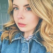 Abigail Foster (@abigail_foster7) | Twitter