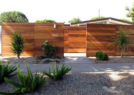 Pin By Swati Shah On Fencing Projects Fence Design Modern Landscaping Modern Fence