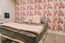 Peyton S Floral Themed Bedroom Hey It S Jenna