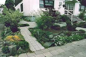 ideas for small front yard landscaping