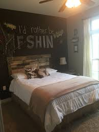 Made This Pallet Headboard For Boys Room Fishing Theme So Adorable In 2020 Bedroom Themes Fishing Themed Bedroom Fishing Bedroom