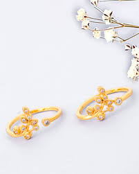 Buy Traditional Toe Rings with Gemstone for Women Online | Voylla