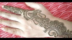 belt wali mehndi design