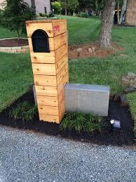 Modern Mailbox Idea Cedar Horizontal Fence Rustic Modern Concrete Wooden Mailbox Mailbox Landscaping Mailbox Design