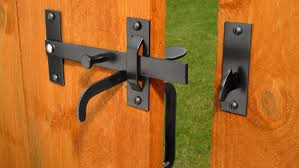 How To Fit A Gate Latch Fitting A Suffolk Or Norfolk Latch To A Garden Gate Diy Doctor