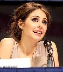 File:Willa Holland at the 2013 WonderCon 02.jpg - Wikimedia Commons