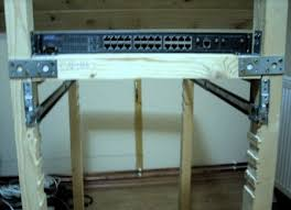 adi roiban diy 19 inch rack from wood
