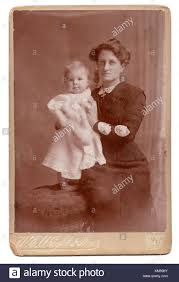 Edith Johnson and baby Beryl, 1910 Stock Photo: 167296387 - Alamy