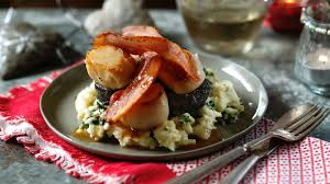 Scallops with bacon, black pudding and ...