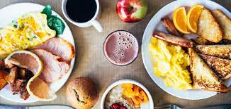 Pourquoi un petit-déjeuner copieux est meilleur pour la santé qu'un dîner  copieux
