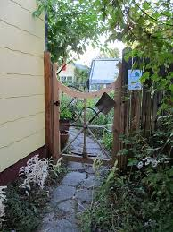 Diy Fence Gate 5 Ways To Build Yours Bob Vila