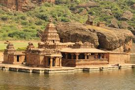 A Travel Guide on Badami Caves   Travel And Trekking – Travel And ...