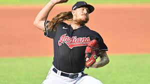Breaking Transfer news Mike Clevinger ...