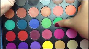msds standard rainbow eyeshadow palette