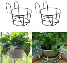 Cratone 2 Pack Metal Flower Pot Holder Hanging Fence Plants Pots Baskets Balcony Hanging Plant Iron Racks For Railing Fence Outdoor Amazon Co Uk Garden Outdoors