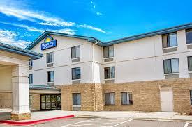 hotel days inn suites denver
