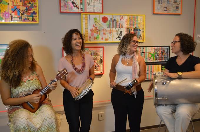 mulheres roda samba
