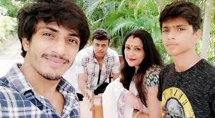 Uma Riyaz Khan - Family love ❤️❤️   Facebook