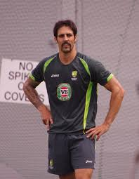 Mitchell Johnson with the Australian cricket team in the 2013–14 Ashes  series - Wikipedia