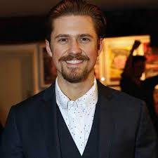 Aaron Tveit -【Biography】Age, Net Worth, Height, Single, Nationality
