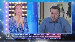 Matteo Salvini prega per le vittime del coronavirus - Live - Non è ...