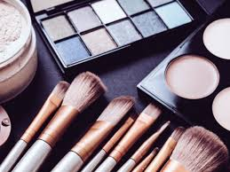 how many diffe types of makeup brushes