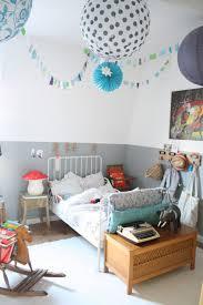 Kids Bedroom Design With Paper Hanging Decoor