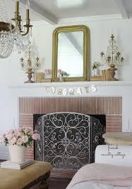 simple charming mantel decor ideas