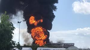 Marghera, incendio in uno stabilimento di prodotti chimici.